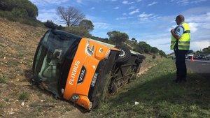 El autocar de Flixbus accidentado en Francia.