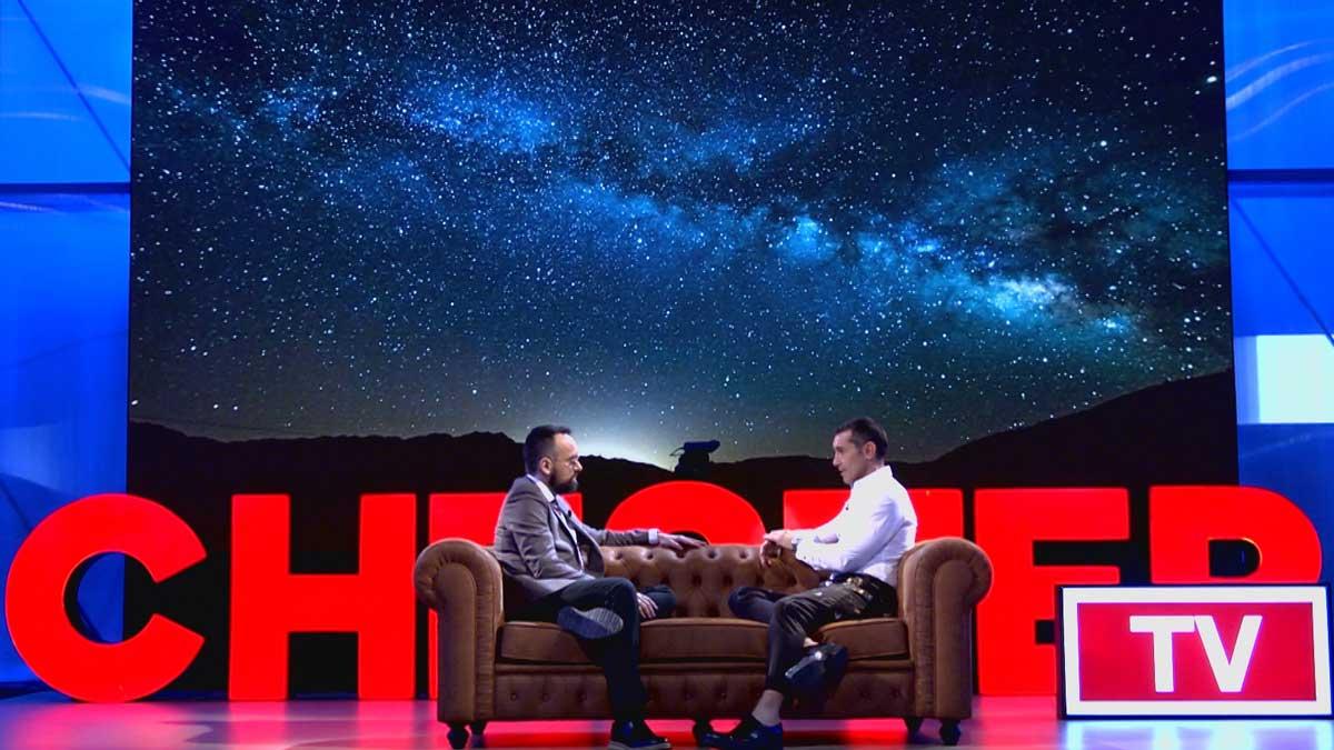 Risto fa seure Jesús Vázquez al seu 'Chester'