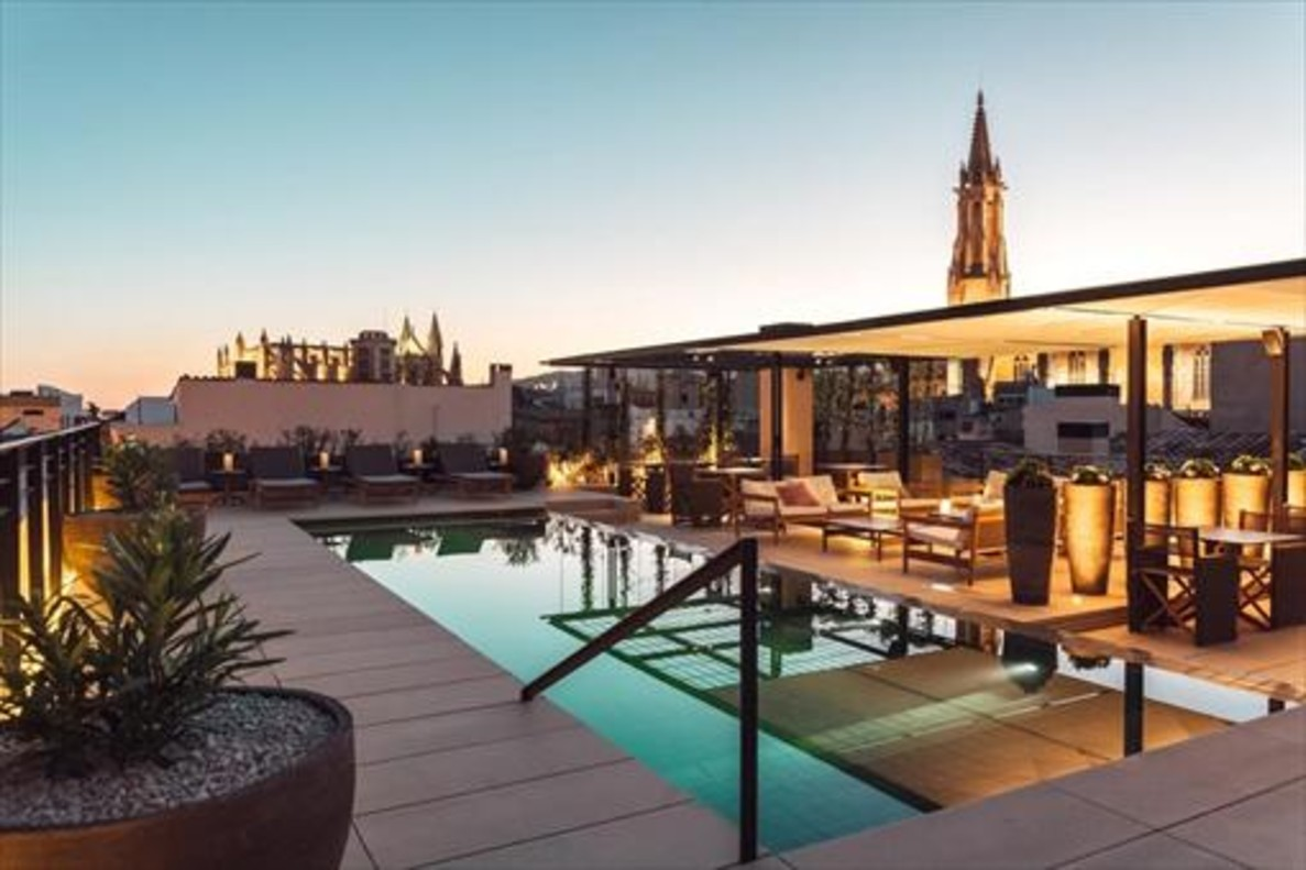 CaixaBank concede 942 millones en créditos al sector hotelero español
