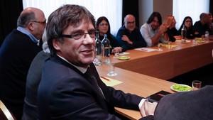 Carles Puigdemont, reunido en Bruselas con los diputados de JxCat