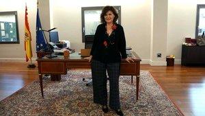 La vicepresidenta del Gobierno, Carmen Calvo, en su despacho.
