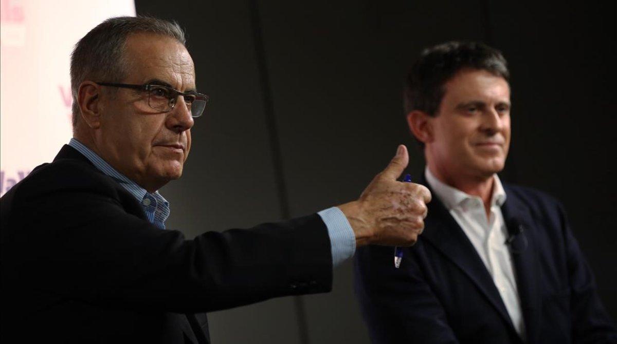 Celestino Corbacho y Manuel Valls, este jueves en un hotel de Barcelona.
