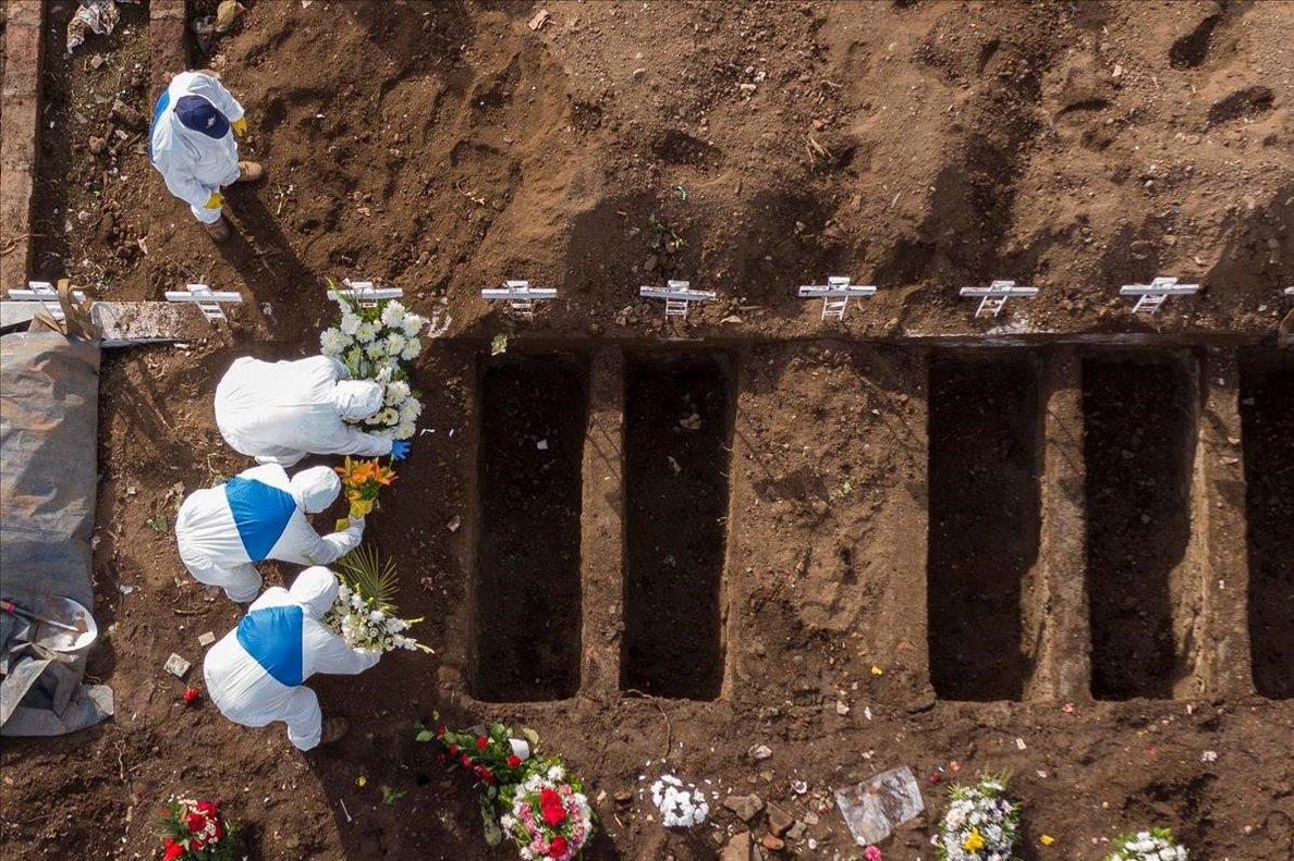 Cementerio para víctimas del covid-19 en Santiago de Chile.