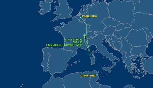Recorrido del vuelo que ha dado media vuelta por el atentado de Túnez.