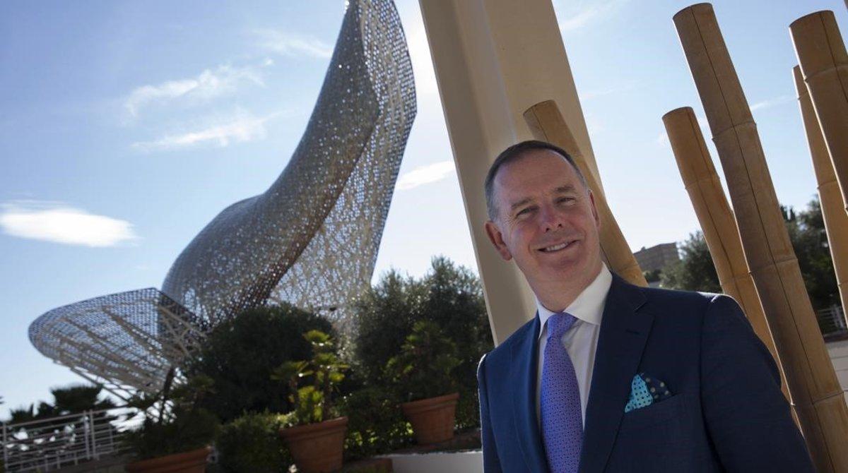 El consejero delegado de Etihad, Tony Douglas, en Barcelona.