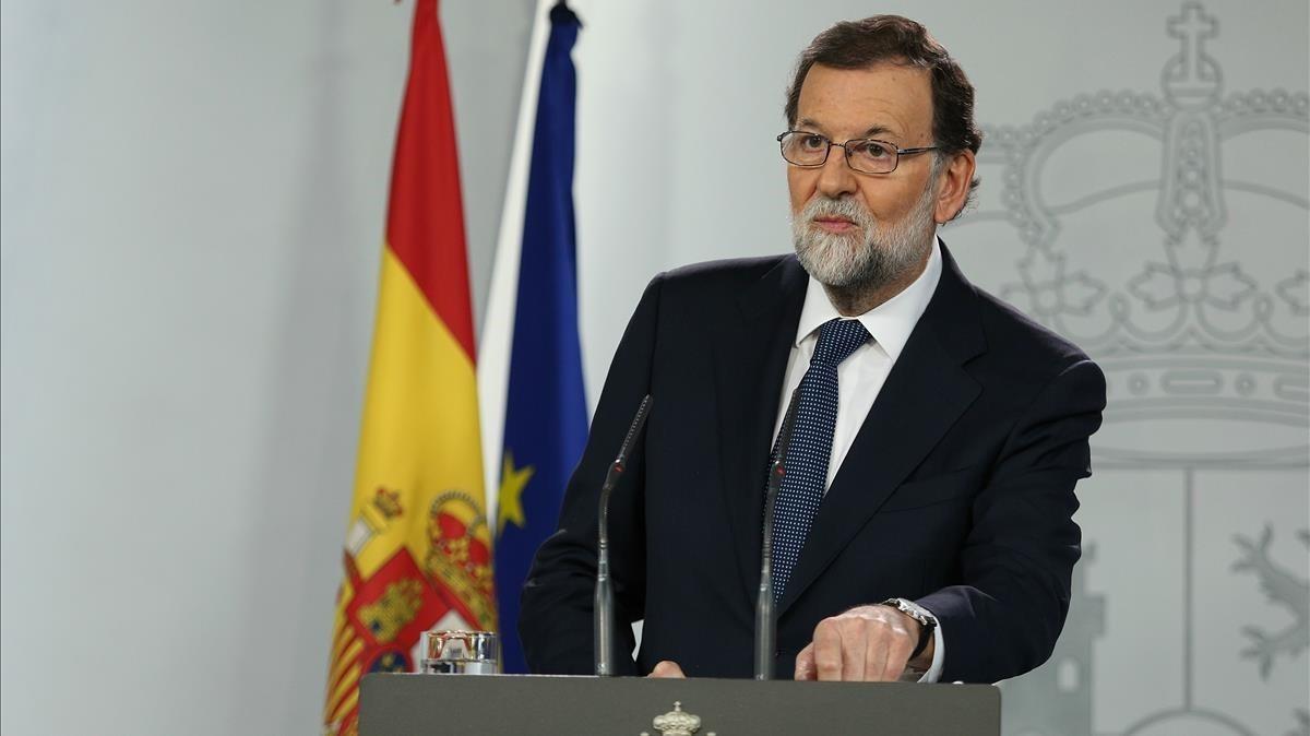 Mariano Rajoy anuncia en la Moncloa el envío del requerimiento a Carles Puigdemont.