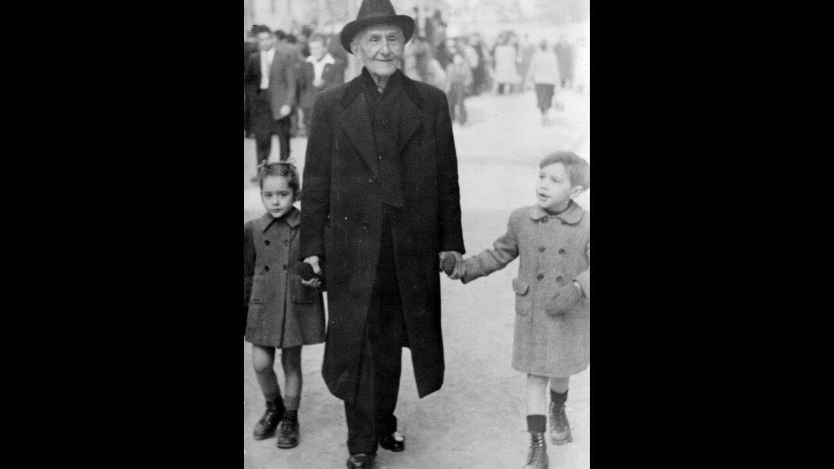 Fabra, con dos de sus nietos.