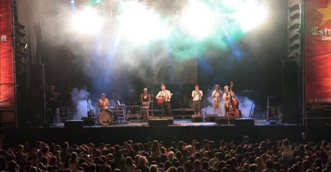 Els Catarres, en la última edición del Mercat de la Música Viva de Vic.