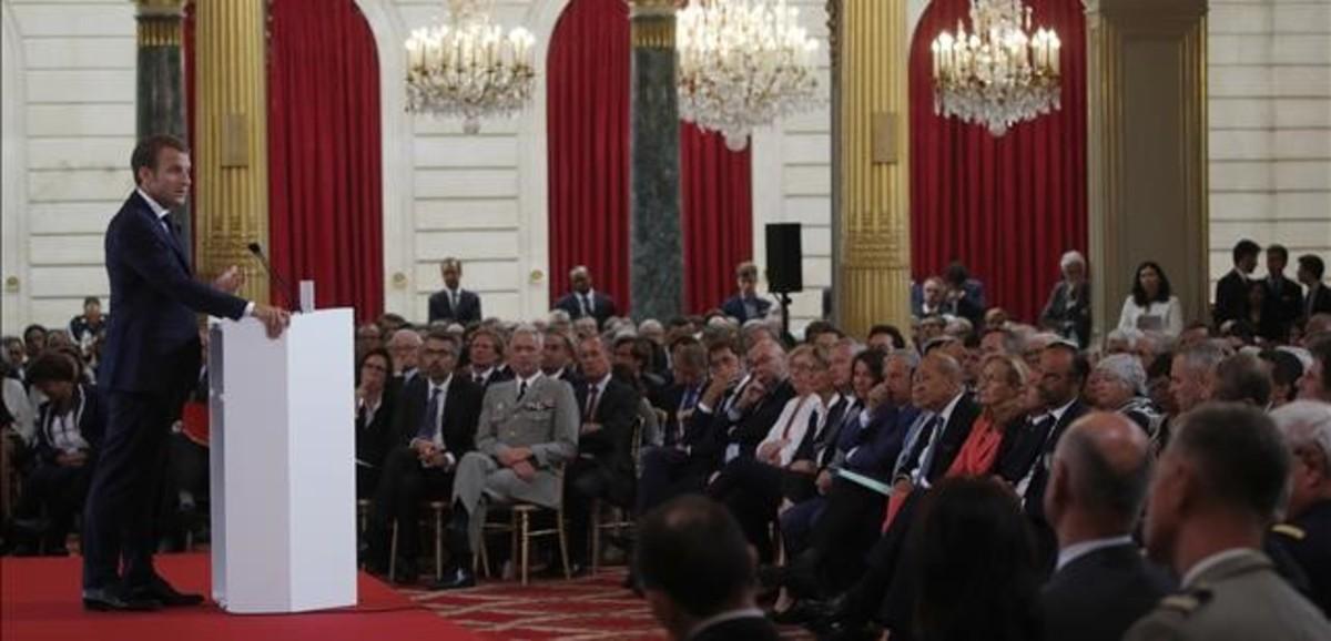 Emmanuel Macron durante su discurso anual a los embajadores.