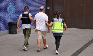 L'autor d'un apunyalament mortal al Raval de Barcelona s'entrega a la Policia