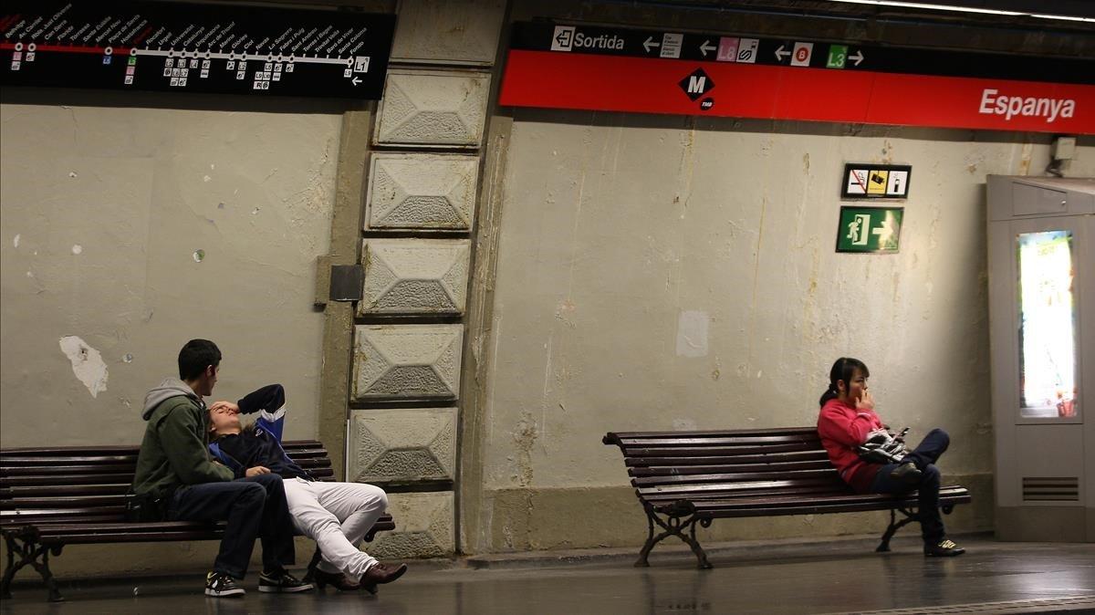 Estación de Plaza Espnaya de la L1.