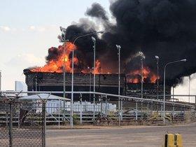 Al menos dos tanques de la estatal Petróleos de Venezuela (Pdvsa) explotaron por causas aún desconocidas.