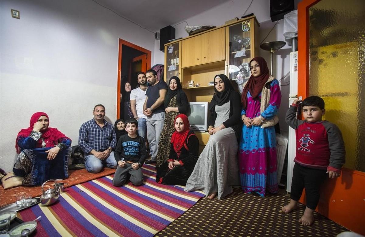 Familia Mustafa, refugiados sirios en el Raval de Barcelona.