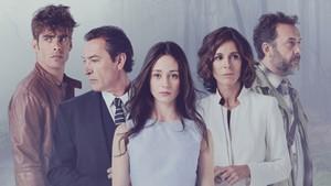Jon Kortajarena, Ginés García Millán, Elena Rivera, Lydia Bosch y José Luis García-Pérez, en 'La verdad'.