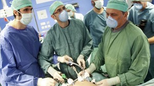 Intervención para un trasplante de hígado en la Clínica Universitaria de Navarra, en una imagen de archivo, en el 2014.