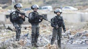 Soldados de Israel durante una protesta cerca de la ciudad palestina de Ramala en Cisjordania el pasado mes de enero.