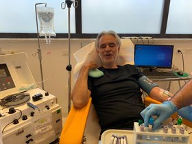 Pisa (Italy), 26/05/2020.- A handout photo made available by the AOUP (Azienda Ospedaliero-Universitaria Pisana) University hospital of Pisa Press Office shows Italian opera singer Andrea Bocelli donating blood plasma for study on the treatment of coronavirus disease (COVID-19) patients, at Cisanello Hospital in Pisa, central Italy, 26 May 2020. The artist was in fact among the positive cases of coronavirus as revealed by himself. He discovered it on 10 March 2020 after taking a test, media reported. Speaking to journalists outside of the hospital, Bocelli explained that he had no particular problems, a bit of fever, but in practice asymptomatic. (Italia) EFE/EPA/AOUP UNIVERSITY HOSPITAL PISA HANDOUT -- BEST QUALITY AVAILABLE -- HANDOUT EDITORIAL USE ONLY/NO SALES