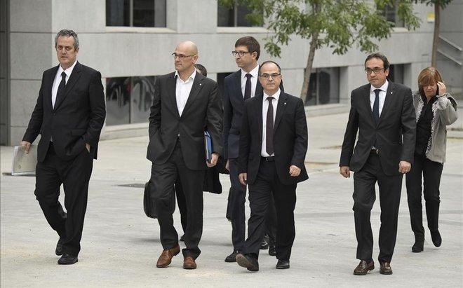 Joaquim Forn, Raúl Romeva, Carles Mundó, Jordi Turull, Josep Rull y Meritxell Borràs.