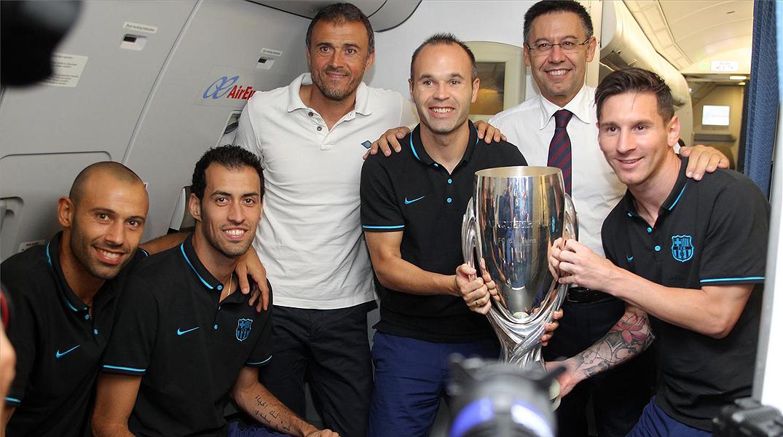 La expedición del Barça aterriza en El Prat sobre las siete y media de la mañana, con signos de cansancio pero contenta.