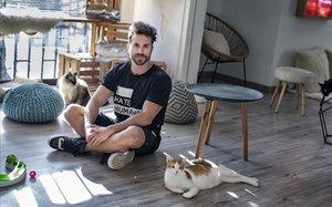 Iván Ramos, Coyu, en la Cat House y sede de la Fundación Suara.