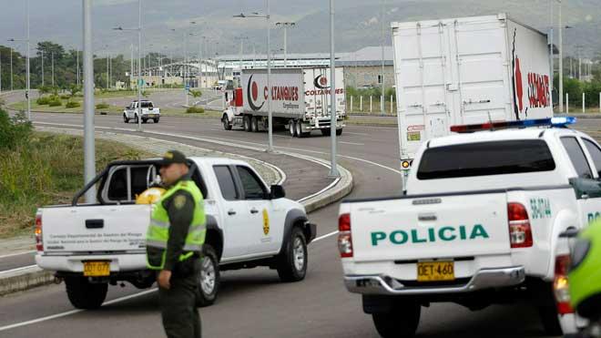 Los camiones con la ayuda humanitaria ya están en la frontera de Venezuela.