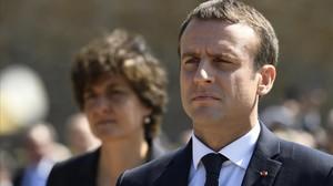 Macron, este pasado domingo, en una ceremonia para conmemorar el 77 aniversario del llamamiento de De Gaulle a resistir a los nazis.