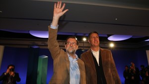 """Rajoy pide a """"la mayoría silenciosa y silenciada"""" que se haga oír el 21-D"""