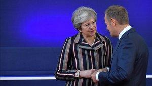 La primera ministra británica, Theresa May, y el presidente del Consejo Europeo,Donald Tusk.
