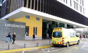 Imagen del acceso al servicio de urgencias del Hospital Parc Taulí de Sabadell el 26 de enero de 2017