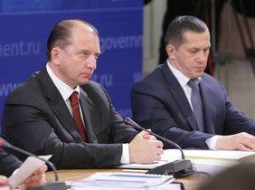 Vladimir Artyakov, a la izquierda.