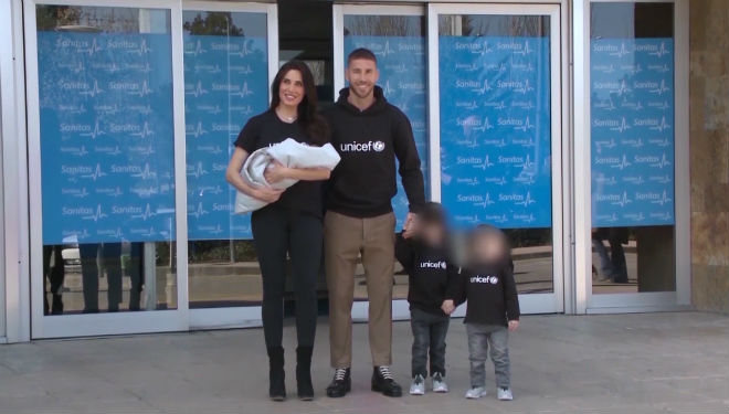 Pilar Rubio con su marido e hijos.