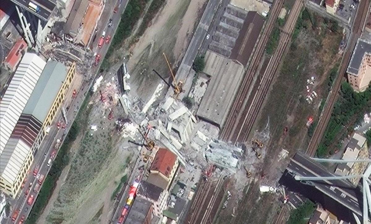 El puente Morandi de Génova en una imagen tomada por un satélite.