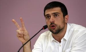 Ramón Espinar en rueda de prensa tras revelarse el escándalo de la venta de su piso.