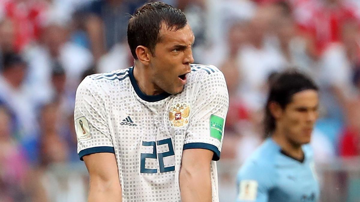 Dzyuba se lamenta tras una ocasión contra Uruguay.