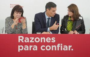 """El PSOE critica a Casado por su falta de """"contundencia"""" con Cospedal"""