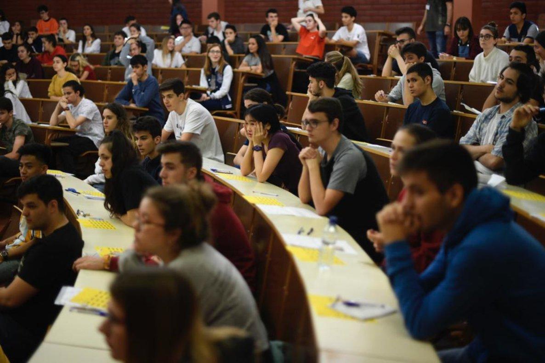 Un text de Borges i un article periodístic obren la selectivitat a Catalunya