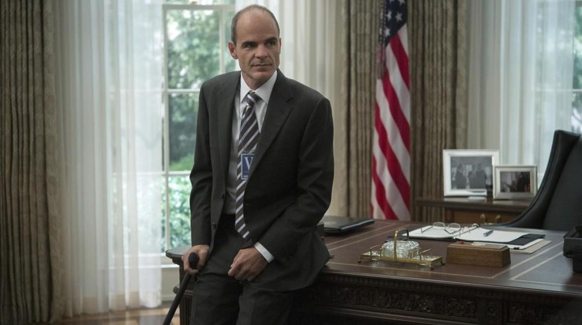 El actor Michael Kelly, en el papel de Doug Stamper, en la serie de Netflix House of cards.