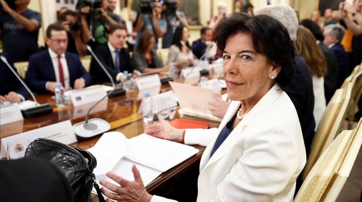 La ministra de Educación, Isabel Celaá, en la conferencia sectorial de educación.