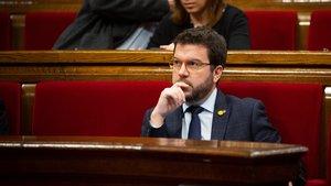23/10/2019 El vicepresidente de la Generalitat, Pere AragonÃ?s sentado en su escaño en una sesión plenaria en el Parlament de Catalunya, celebrada una semana después de conocerse la sentencia del juicio del 'procés', en Barcelona (España), a 23 de octubre de 2019.,
