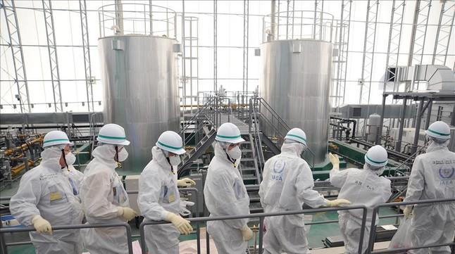 Visita de técnicos de la Agencia de la Energía Atómica a Fukushima, el pasado febrero.