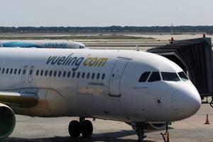 Les aerolínies denuncien l'augment de vagues de controladors