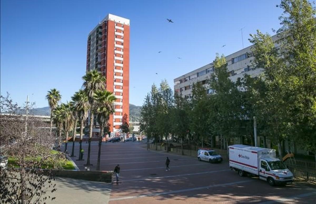 La plaza Roja de Ciutat Meridiana, a principios del pasadodiciembre.