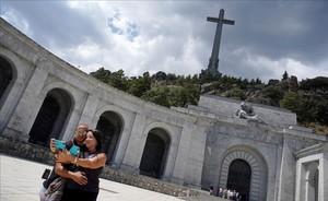 El Congrés dona una altra setmana per a les esmenes a la llei d'exhumació de Franco