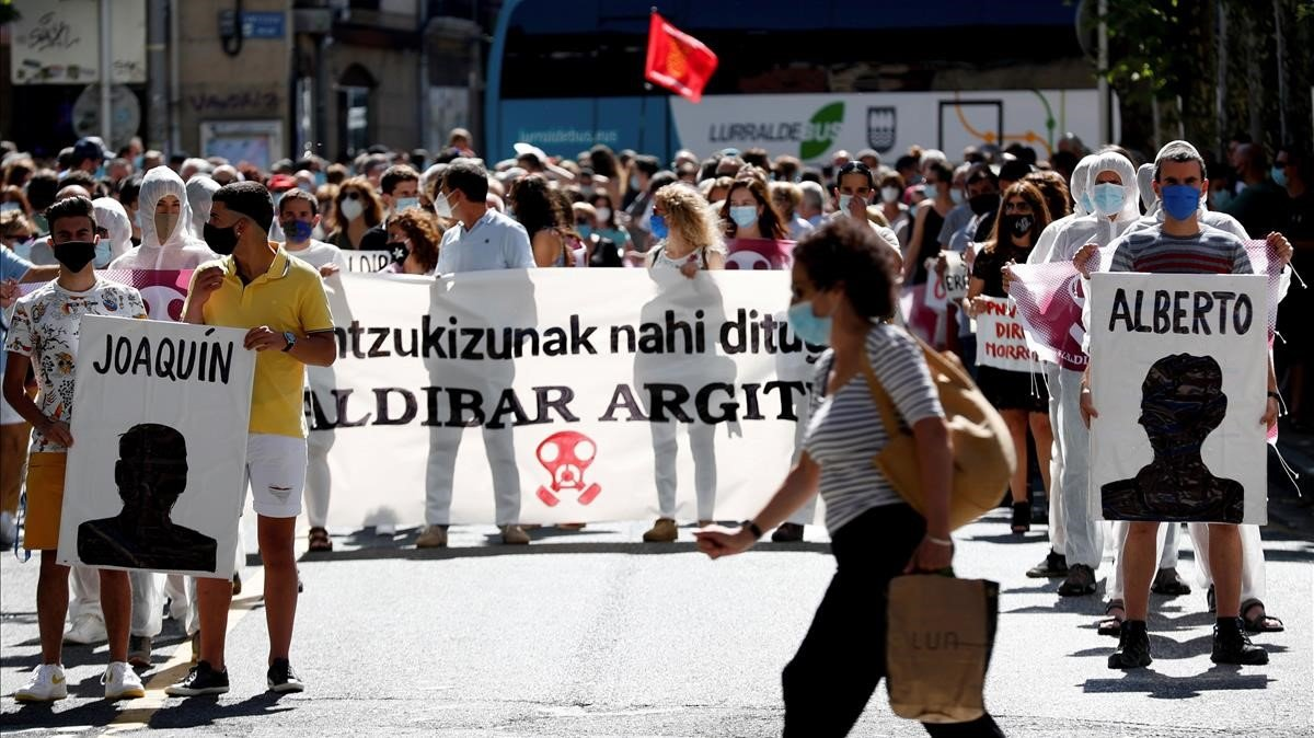 Eibar es mobilitza per l'ensorrament a l'abocador de Zaldibar
