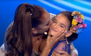 La Pantoja con la niña Cayetana ('Idol Kids').