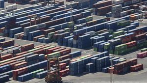 Zona de almacén para los contenedores del puerto de Barcelona