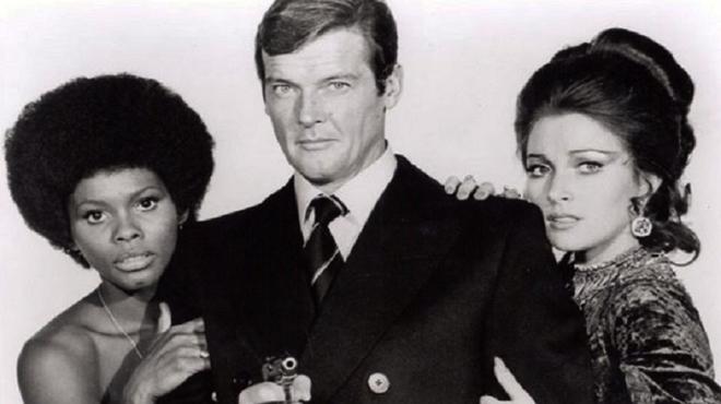 Muere Roger Moore, el James Bond más longevo