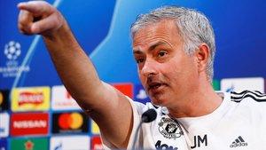 El Manchester United acomiada Mourinho