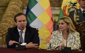 Lapresidenta interina de Bolivia, Jeanine Áñez, y el expresidente Jorge Quiroga.