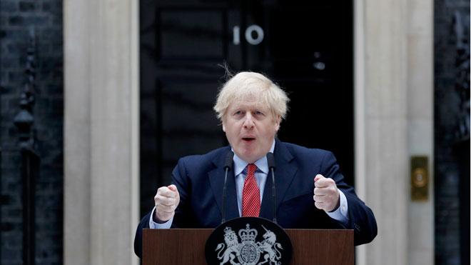 Boris Johnson dice que aún no es el momento de suavizar el confinamiento.